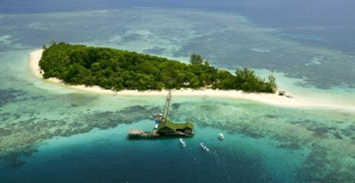 Aerial view of Lankayan Island dive resort. Photo © Reef Guardian