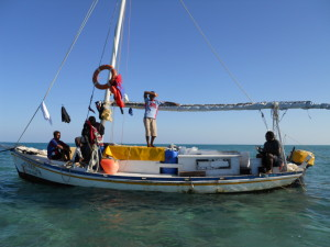 A typical fishing boat used in Belize © Julio Maaz (WCS).