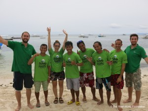 Green Fins Ambassadors in Panglao, Philippines. Photo © The Reef-World Foundation